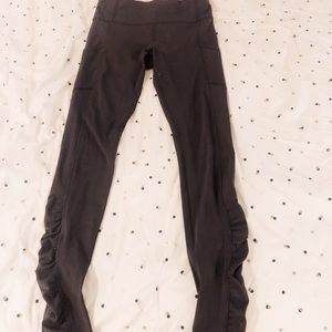 Grey Lululemon Leggings with pockets and Frills